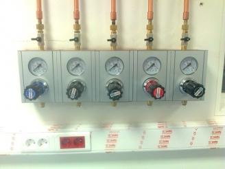 0-10 bar regülasyon, 0-10 bar kullanım noktası regülatörü, laboratuvar gaz regülatörü.